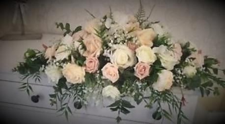 Top table arrangement