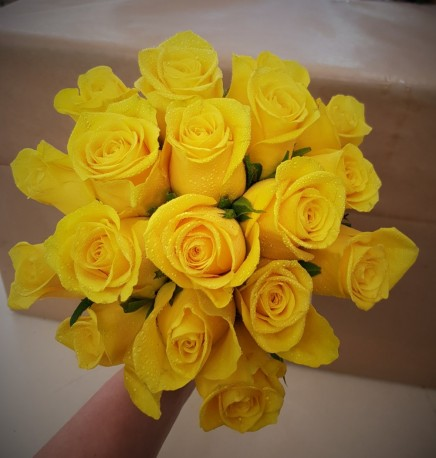 Compact Rose Bride Posy (Yellow)